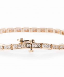 Pre-owned Diamond Tennis bracelet made of 14-carat yellow gold with 3.84 carats of round brilliant cut diamonds