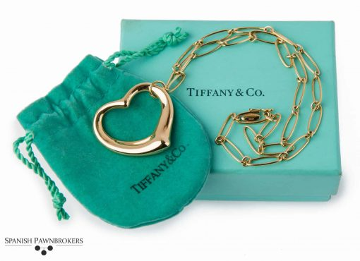 pre-owned Tiffany & Co Open heart pendant on a necklace singed Elsa Peretti made of 18-carat yellow gold with box
